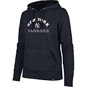 '47 Women's New York Yankees Headline Pullover Hoodie