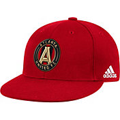 adidas Men's Atlanta United Flat Brim Fitted Red Flex Hat