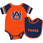 Colosseum Athletics Infant Auburn Tigers Blue Roll-Out Onsie And Bib Set