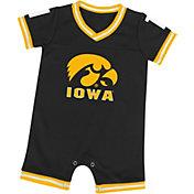 Colosseum Infant Iowa Hawkeyes Black Runback Onesie