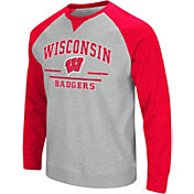Colosseum Men's Wisconsin Badgers Grey Turf Fleece Crew Neck Sweatshirt