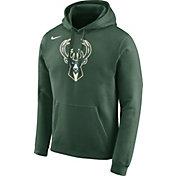 Nike Men's Milwaukee Bucks Club Green Pullover Hoodie
