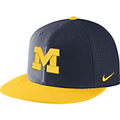 Nike Men's Michigan Wolverines Blue/Maize AeroBill True Performance Hat