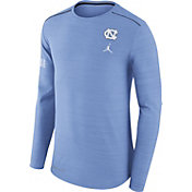 Jordan Men's North Carolina Tar Heels Heathered Carolina Blue Player Football Sideline Long Sleeve Shirt