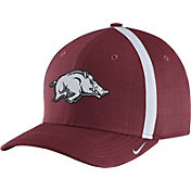 Nike Men's Arkansas Razorbacks Cardinal AeroBill Football Sideline Coaches Classic99 Hat