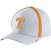 Nike Men's Tennessee Volunteers White AeroBill Football Sideline Coaches Classic99 Hat