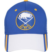 adidas Youth 2018 Winter Classic Buffalo Sabres Structured Blue Flex Hat