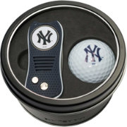 Team Golf New York Yankees Switchfix Divot Tool and Golf Ball Set