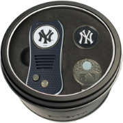 Team Golf New York Yankees Switchfix Divot Tool and Cap Clip Set