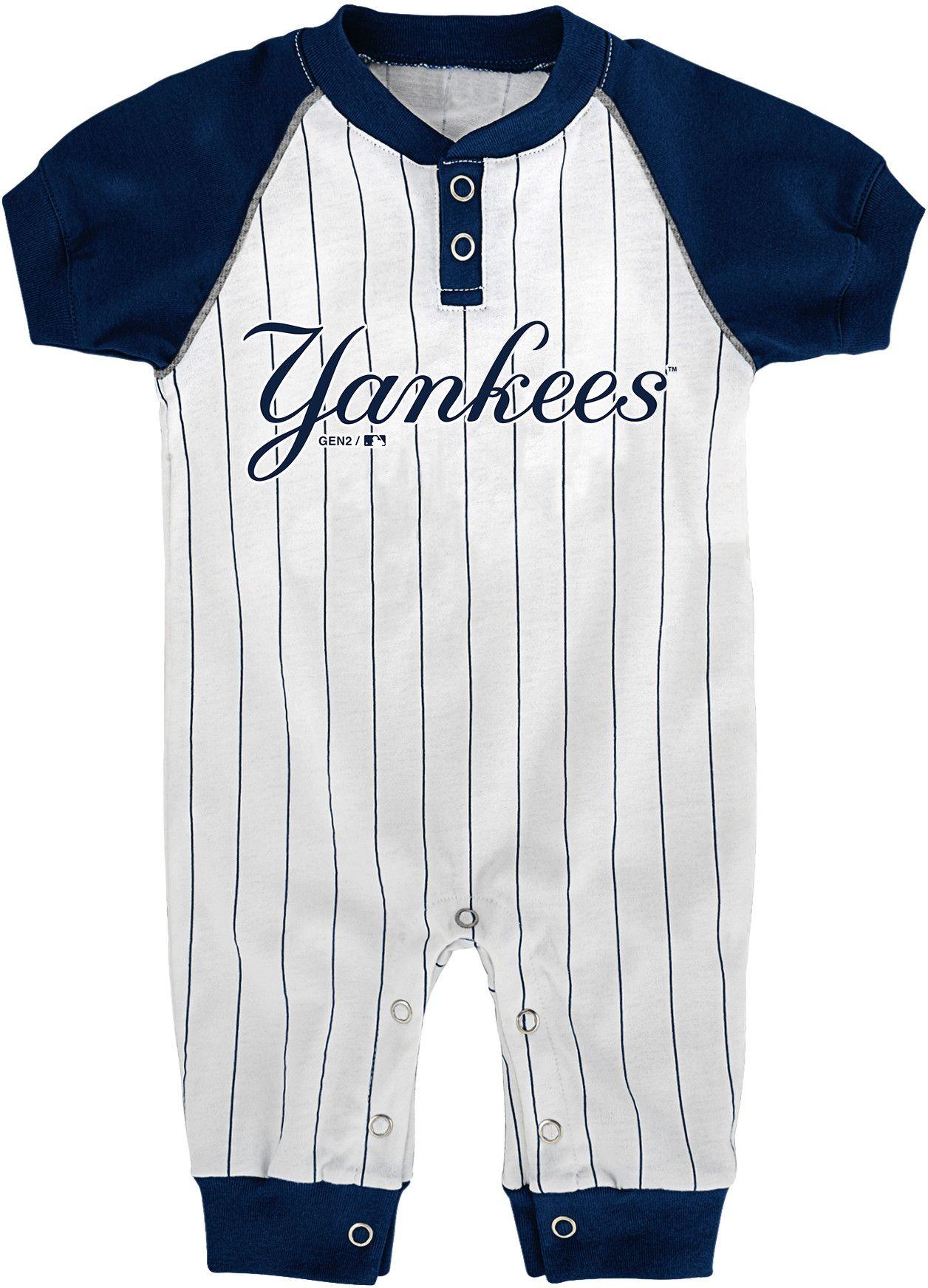 Majestic Newborn New York Yankees esie