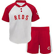 Majestic Toddler Cincinnati Reds Good Hit Shorts & Top Set