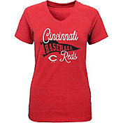 Majestic Youth Girls' Cincinnati Reds Banner V-Neck T-Shirt