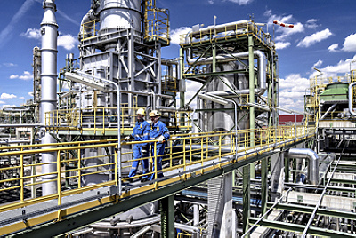 oil gas refinery workers top