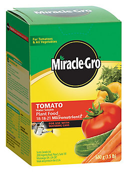 Miracle Gro Water Soluble Tomato Plant Food The Home Depot Canada