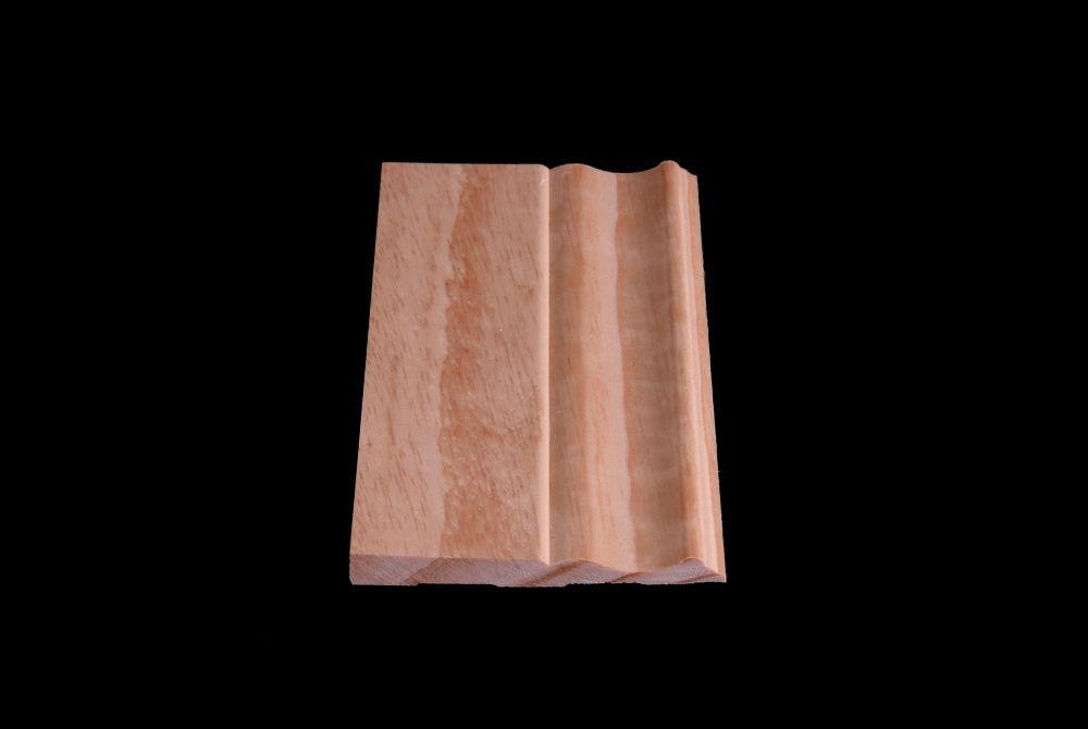 Plinthe coloniale en pin clair massif 3/8 x 4 1/8