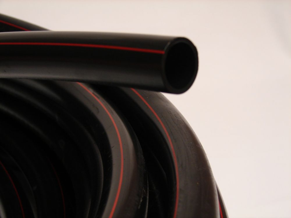 POLY PIPE 1/2 inches X 100 ft 75PSI Red Stripe<sup>®</sup>