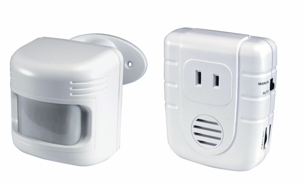 Heath Zenith Wireless Motion Sensor And Plug In The Home