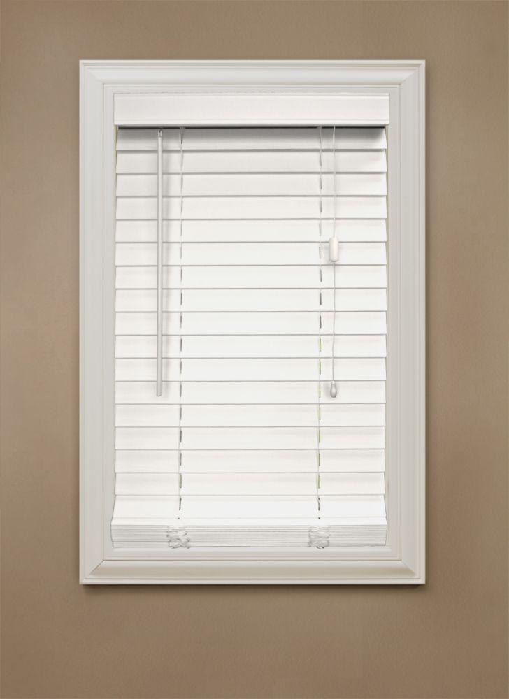 Store en similibois de 5,08 cm (2 po), blanc � 107 cm x 122 cm (42 po x 48 po)