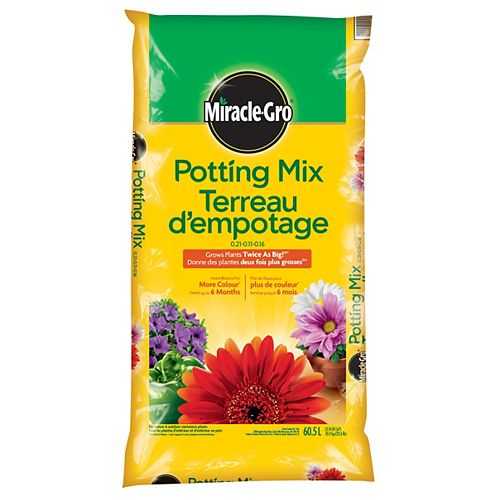 Miracle-Gro Potting Mix 0.21-0.11-0.16 - 60.5L