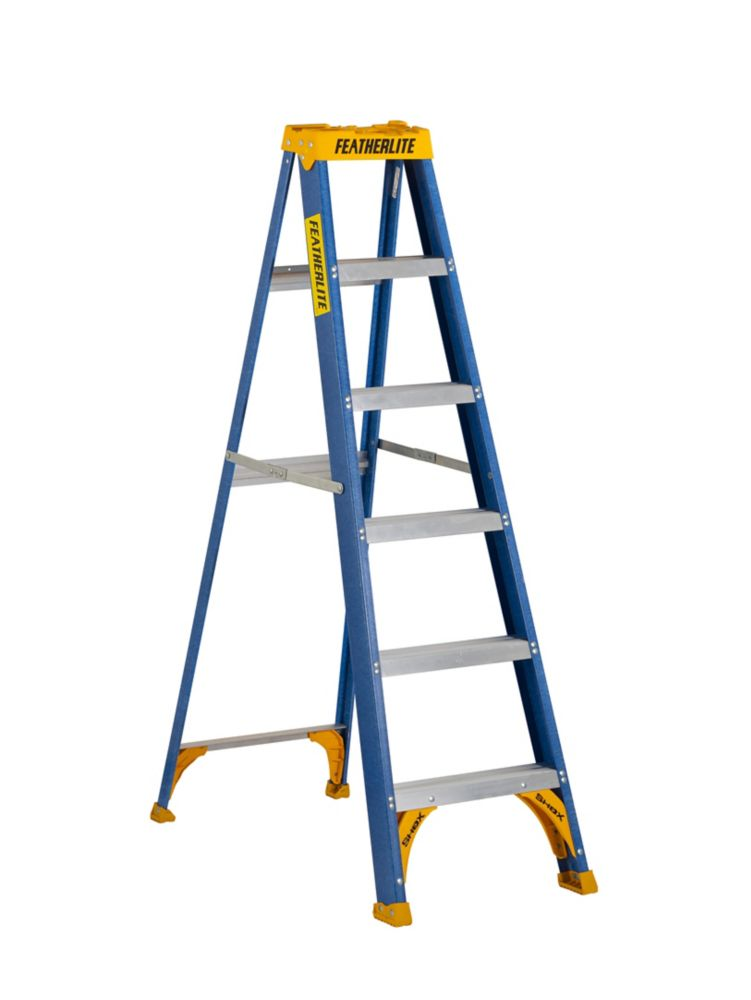 Featherlite 6 ft. Grade I fibreglass Step Ladder