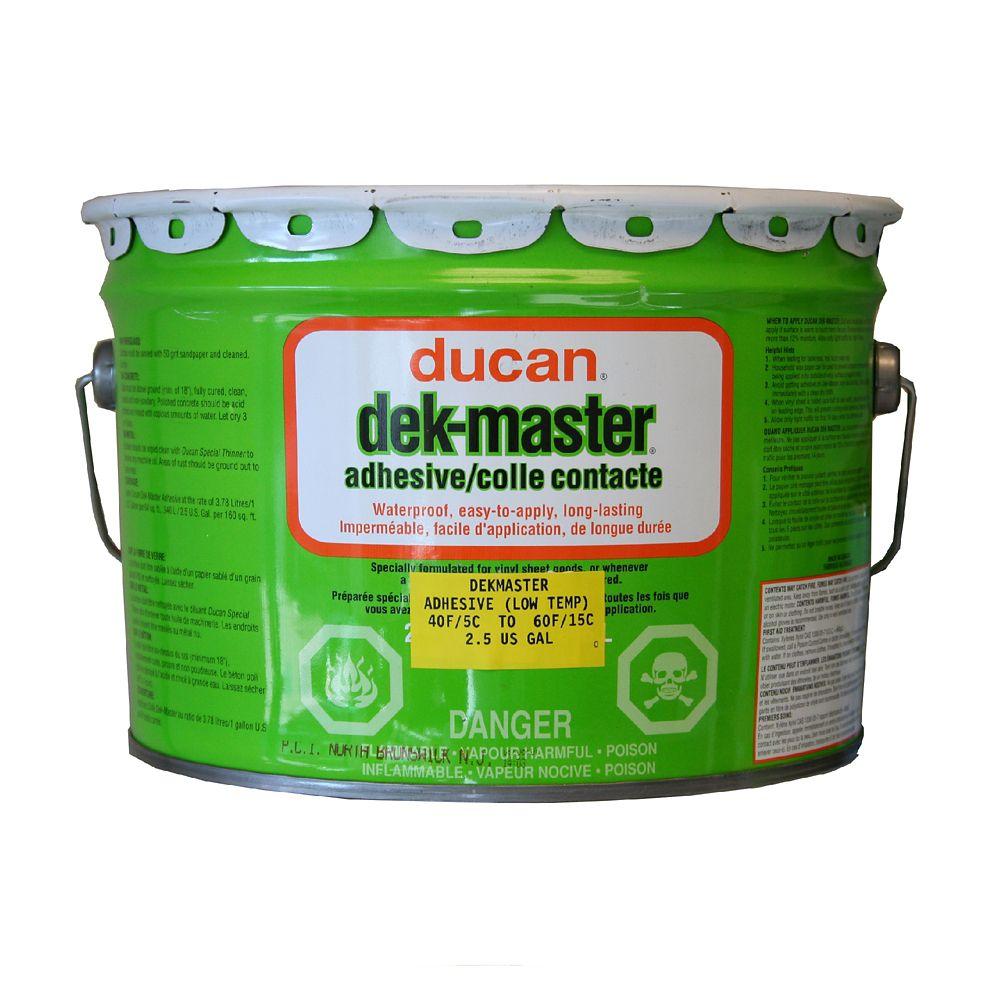 Dek-Master adhésive  à basse température facile à utilisé, elle sèche lentement.