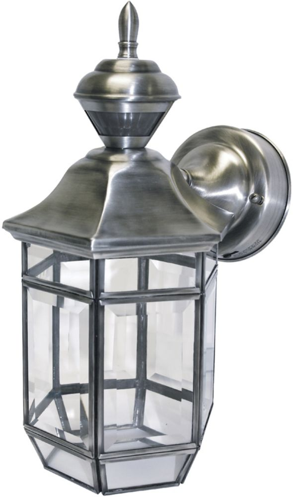 150 Degree Lexington Lantern with Clear Beveled Glass - Silver