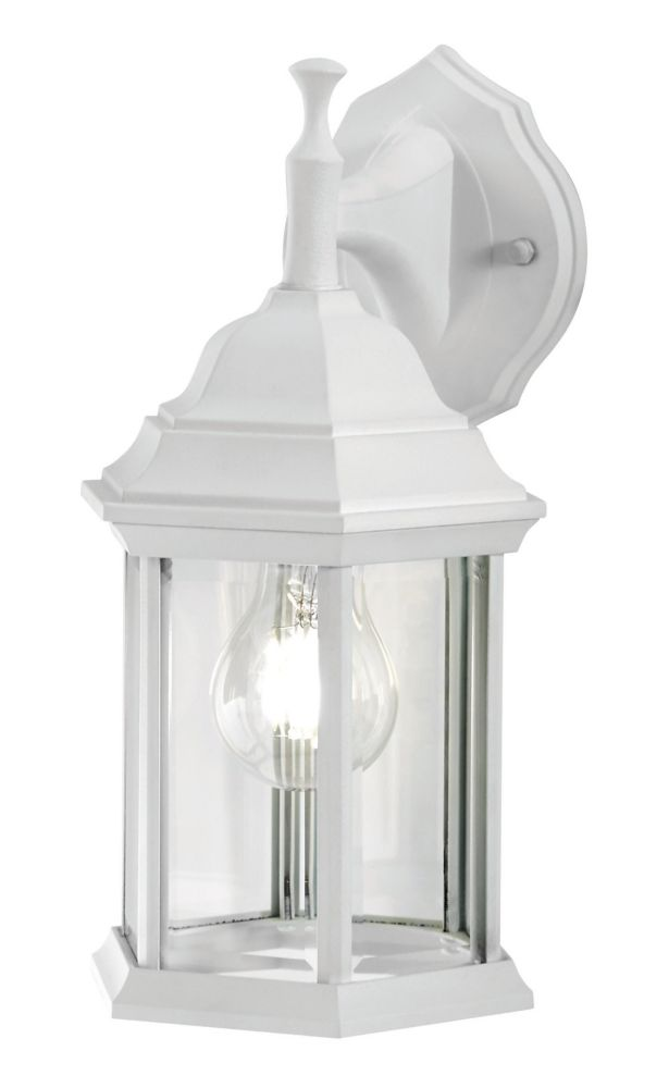 Hampton Bay White Exterior Wall Mounted Lantern With Clear Bevelled Glass The Home Depot Canada