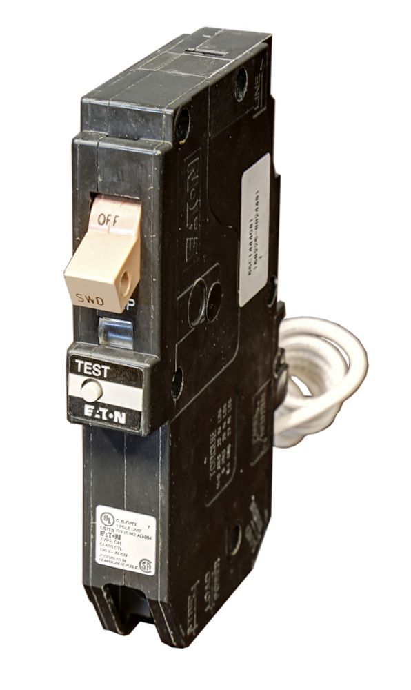 Eaton Eaton Type CH Single-pole 15A plug-in ground fault Circuit Breaker