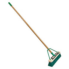 Job Site 18in. Medium Surface Push Broom Set Up