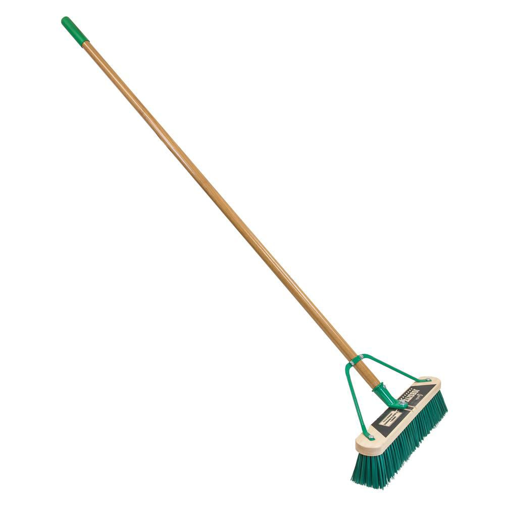 Job Site 18in. Medium Surface Pushbroom-Set Up