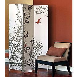 nexxt Bota – Paravent à trois panneaux – Motif imprimé: arbre et oiseau rouge. Dimensionsde chaque panneau : L48po x H71po x P1po.