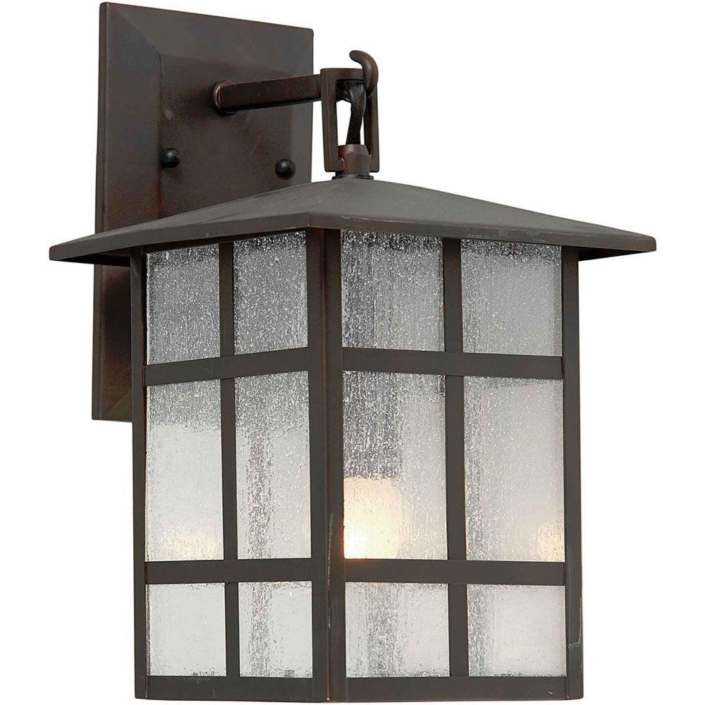 lumière fixée au mur avec abat-jour clair couleur en bronze