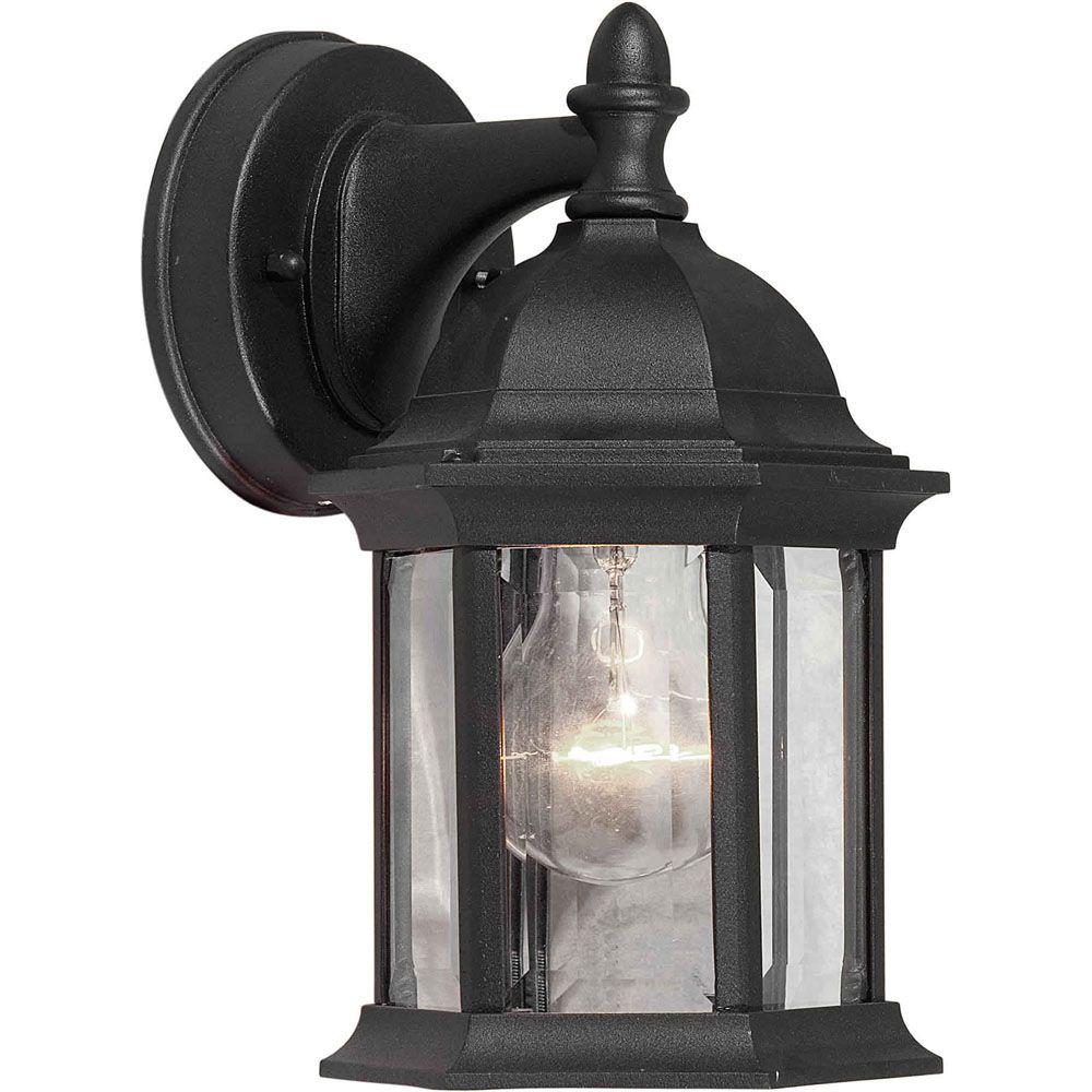 lumière fixée au mur avec abat-jour clair couleur en noir