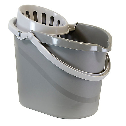 Bucket with Wringer