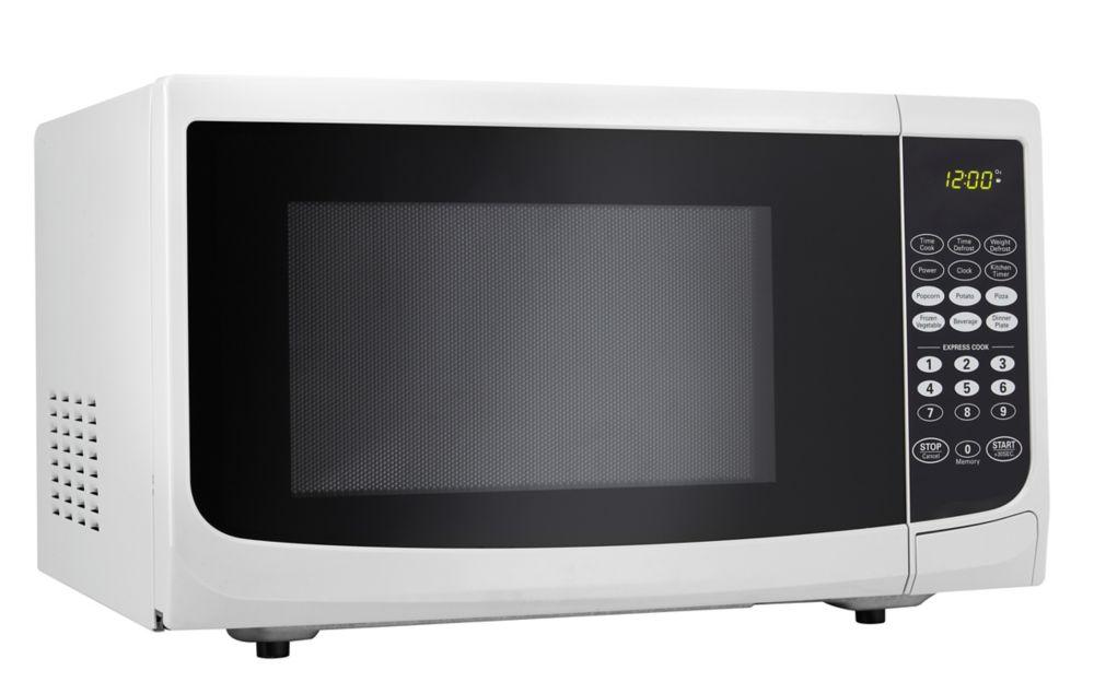 Danby Designer 0.9 cu. ft. Countertop Microwave in White