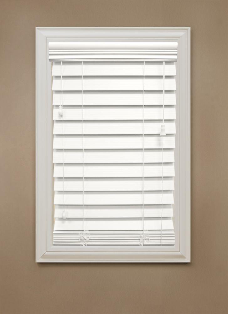 Stores en bois dimitation de 6,35 cm (2.5 po), blanc � 182.88 cm x 121.92 cm (72 po x 48 po)