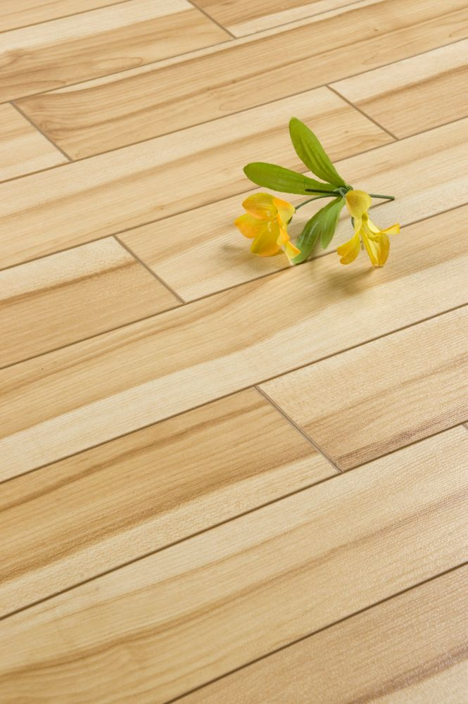 Country Maple Laminate Flooring (16.48 sq. ft. / case)