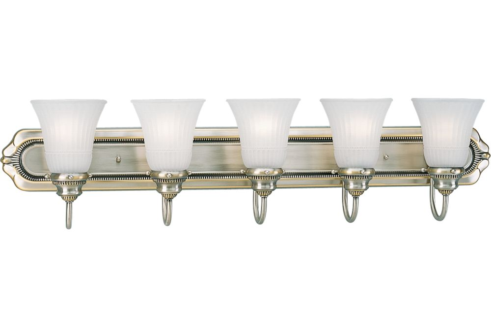 Huntington Collection Colonial Silver 5-light Wall Bracket