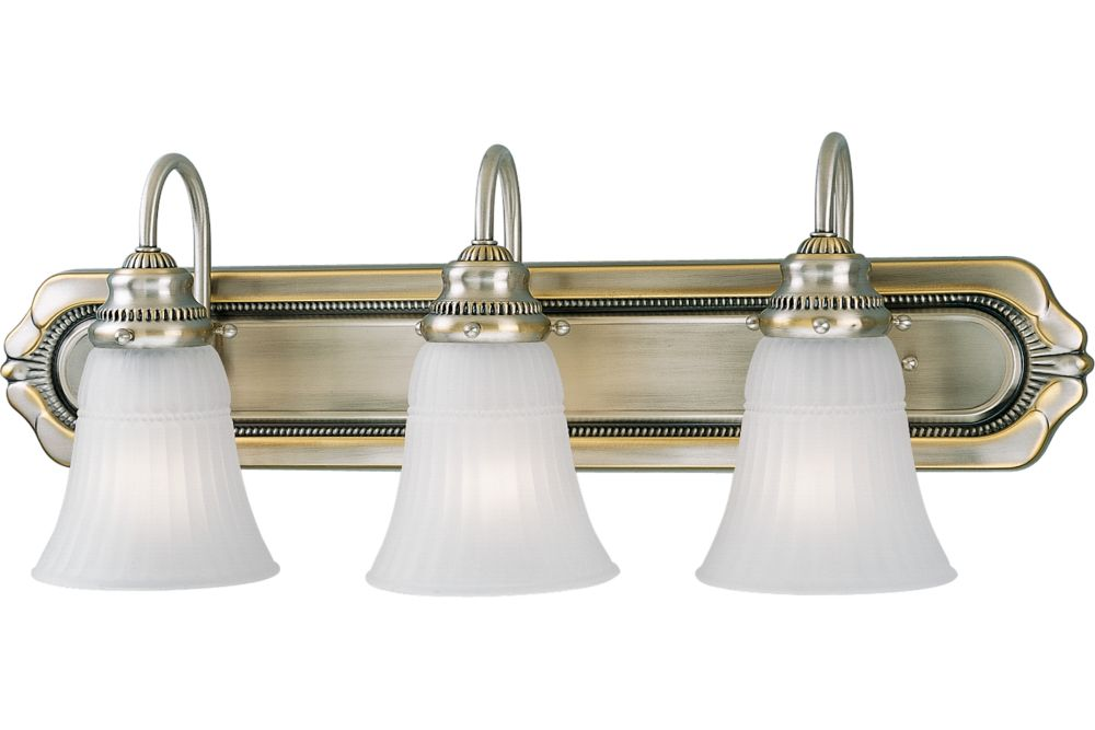 Huntington Collection Colonial Silver 3-light Wall Bracket
