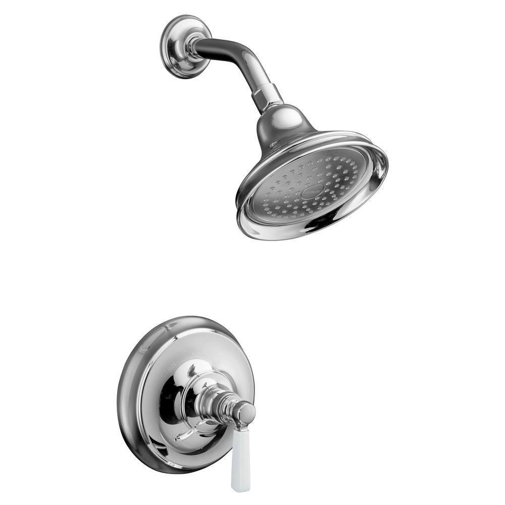 La photo montre la baignoire à régulation de pression Bancroft Rite-Temp et la garniture de robin...