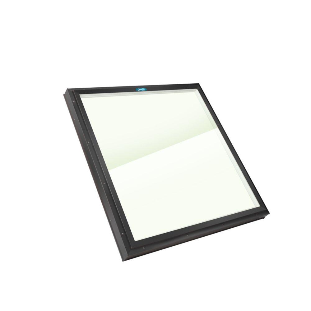 Puits de Lumière Monté sur Cadre, Verre LoE3 Transparent, 2 pi x 2 pi. Cadre extérieur Noir.