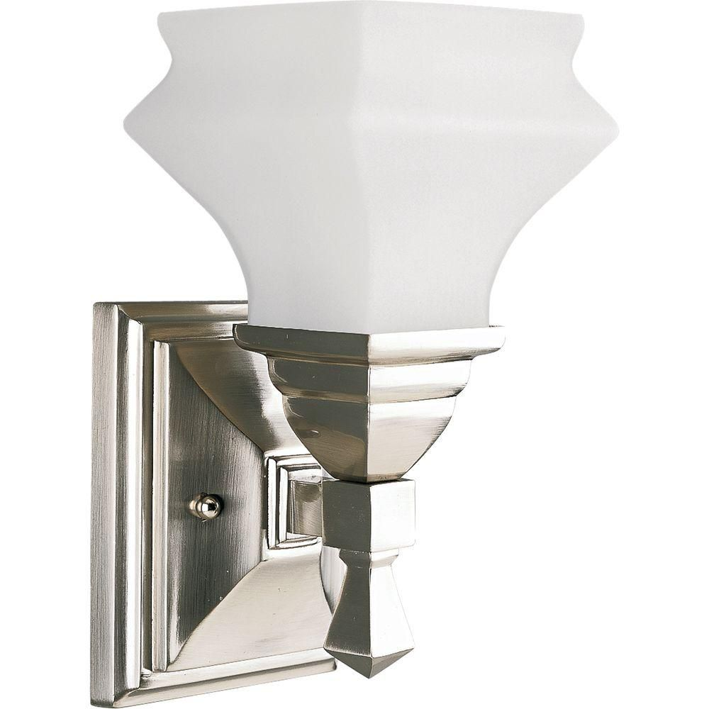 Bratenahl Collection Brushed Nickel 1-light Wall Bracket