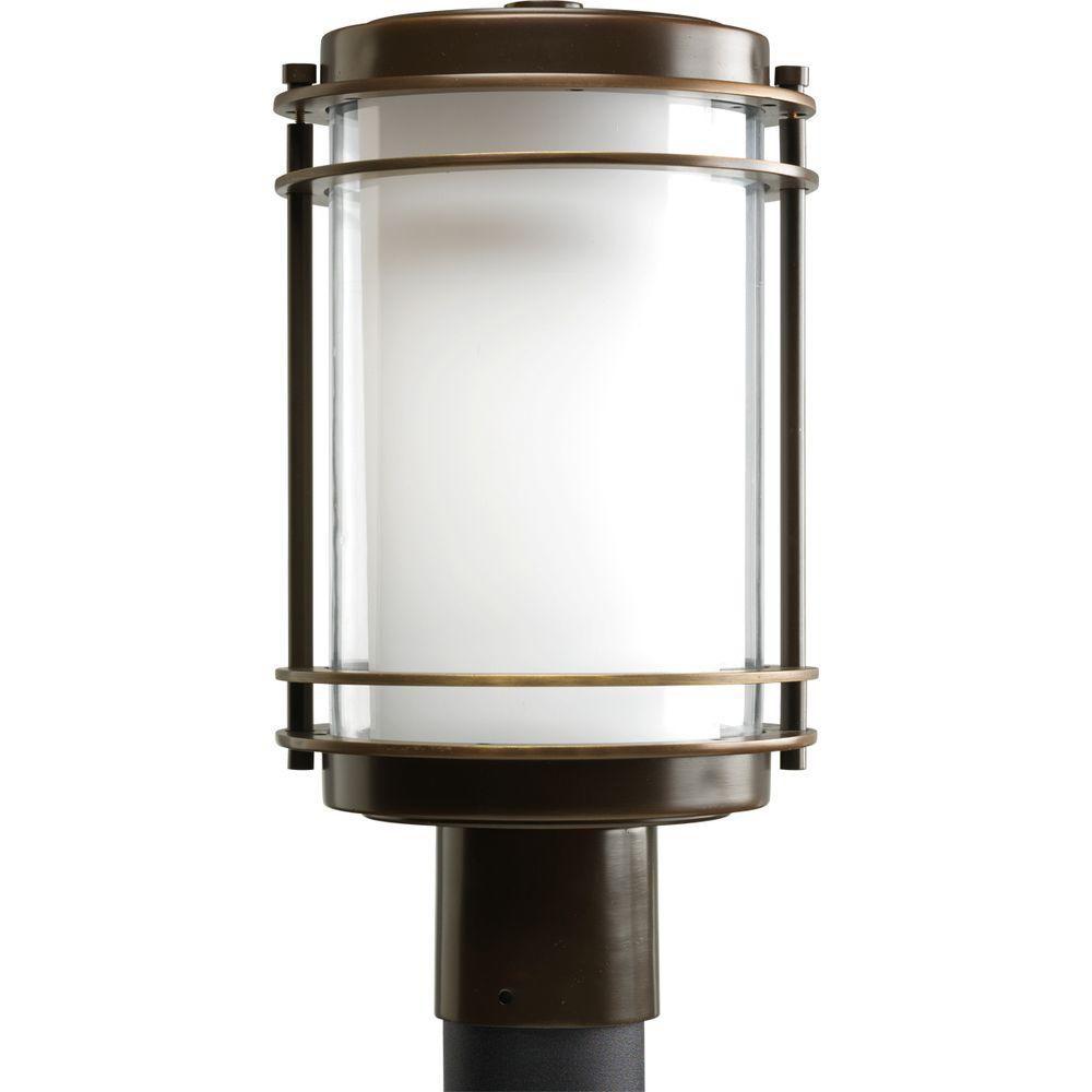 Lampadaire à 1 Lumière, Collection Penfield - fini Bronze Lustre
