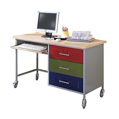 Teen Trends Desk
