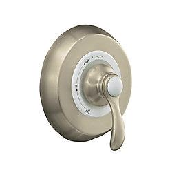 KOHLER La photo montre la baignoire à régulation de pression Fairfax(R) Rite-Temp(TM) avec la poignée à levier