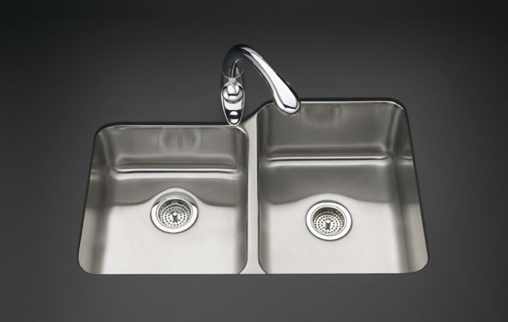 Évier de cuisine sous comptoir large/moyen Undertone(R) avec profondeur de bassin de 7-1/2 po à g...