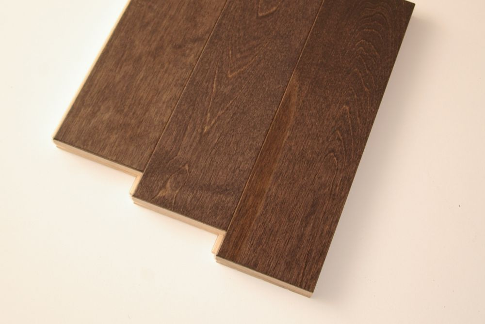 Hardwood Flooring Birch 3/4 Inch x 3-1/2 Inch - Dark Granite Colour (21  Sq.Ft./Case)