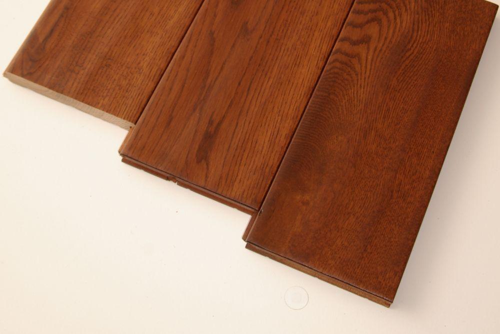 """Plancher de chêne massif 3/4"""" x 5"""" sculpté à la main - Couleur châtaigne (22.8 1  Pi. carré par c..."""