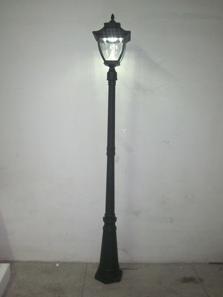 Pagoda Solar Lamp Post, Single Lamp