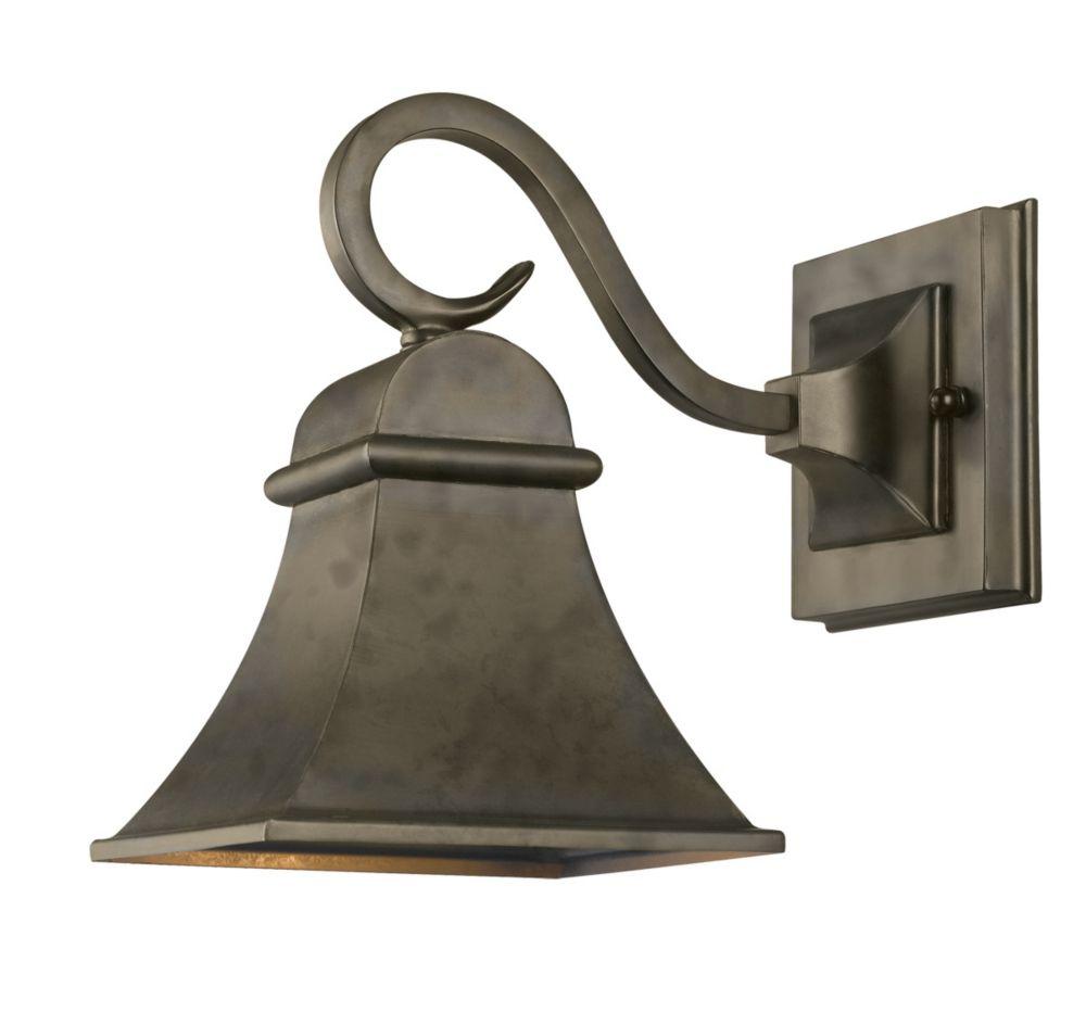 world imports lanterne murale ext rieure au fini flamand de la collection revere et homologu e. Black Bedroom Furniture Sets. Home Design Ideas
